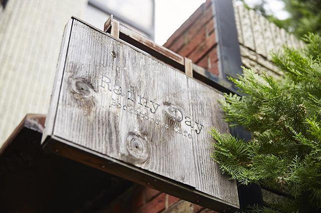 東京・西麻布 Rainy Day Bookstore & Cafe #本 #本屋  #読書 #読読 #よんどく #東京 #西麻布 #レイニーデイブックストアアンドカフェ #新書 #カフェ #ブックカフェ  #東京の本屋さん #20160203 yondoku.jp