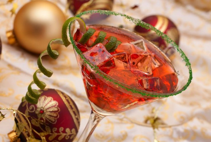 3 Christmas Cocktails to Try This Season