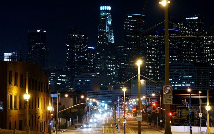 Los-Angeles-Skyline-At-Night-Wallpaper.jpg 1,920×1,200 pixels