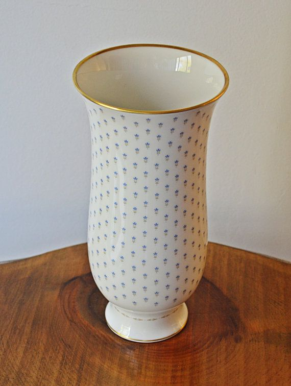 Kaiser Linderhof Vase Kaiser W Germany Porcelain by Collectitorium