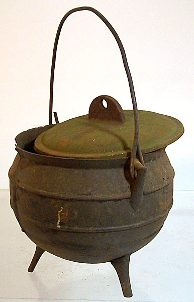 119 best images about antique cast iron cooking needfuls on pinterest tea kettles. Black Bedroom Furniture Sets. Home Design Ideas