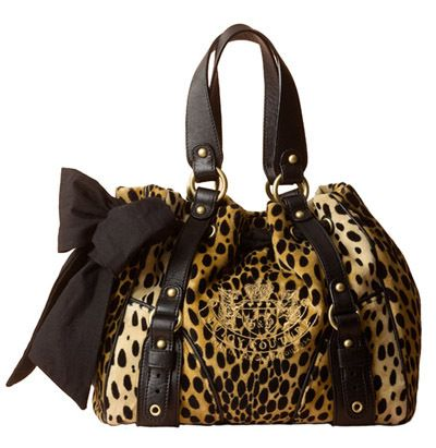 I have this bag my all time favorite hangbag of all time hands down. ♥♡♥♡♥♡♥♡♥
