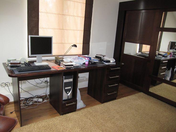 Оперативная мебель на заказ из МДФ фанерованной натуральным шпоном.