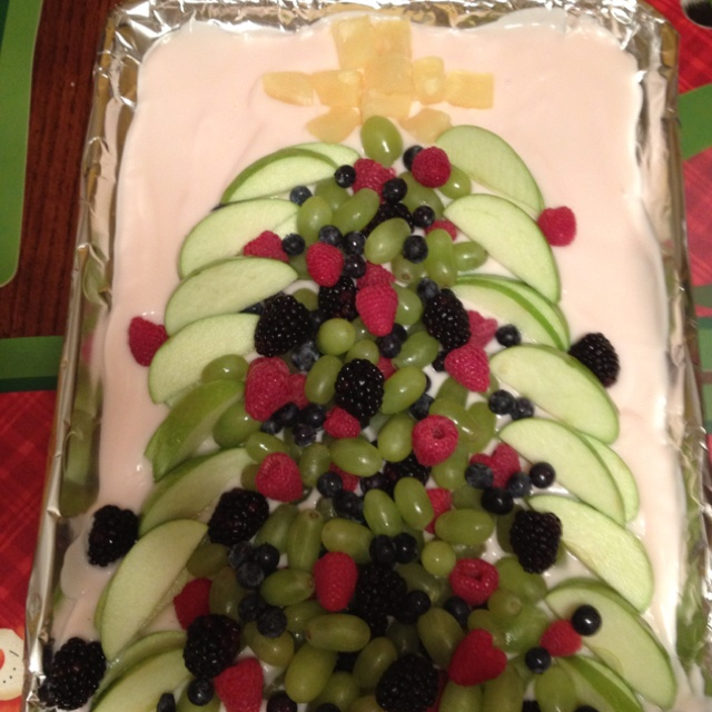 Yogurt Helps Keep The Fruit Christmas Tree In Place Cute Healthy Snack For A Party Might Do This Our At Work On Thursday