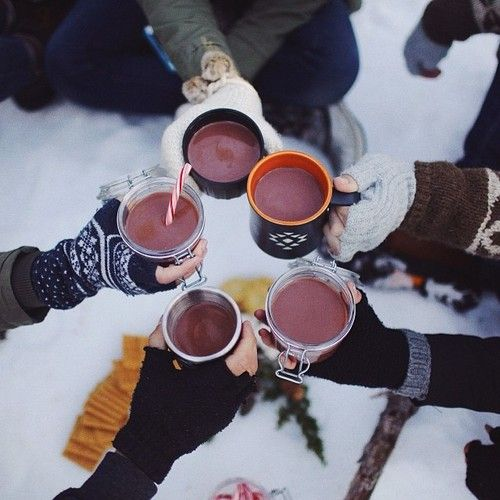 Repin ter inspiratie. Even naar buiten en genieten van de kou met vrienden. Daarna heerlijk warm worden in bed!