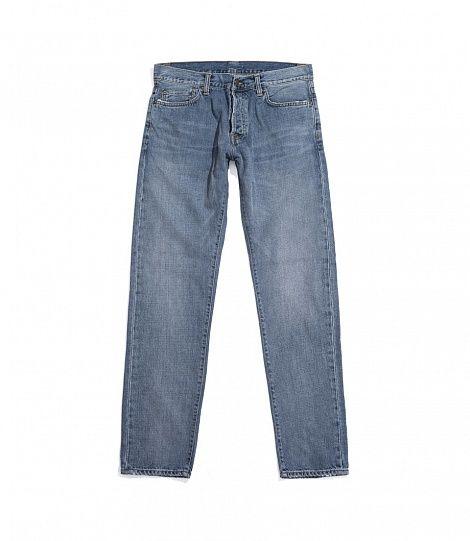Джинсы Carhartt WIP Klondike Pant Blue (True Bleached)  Классические джинсы в свободном сверху и зауженном к низу крое с относительно низкой посадкой на талии. Изготовлены из выбеленного денима плотностью 12 унций с небольшим добавлением эластана. Хороший выбор для создания повседневного городского образа.  Пол мужской, 98% хлопок / 2% эластан, Голубой  Цена: 7 490р online:http://street-story.ru/?c=49520  Carhartt WIP — европейское подразделение американской компании Carhartt, которая с…
