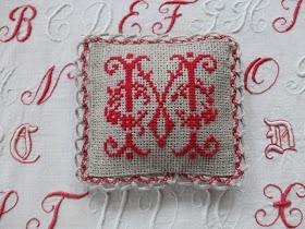 Steekjes & Kruisjes: Mini trui en meer
