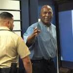 OJ Simpson tight-lipped on destination has parole plan to live in Las Vegas http://ift.tt/2yiM0Lo