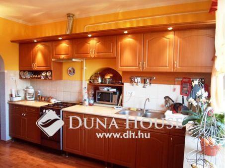 Eladó ház, Kecskemét, Bevásárlóközpont közelében - Duna House