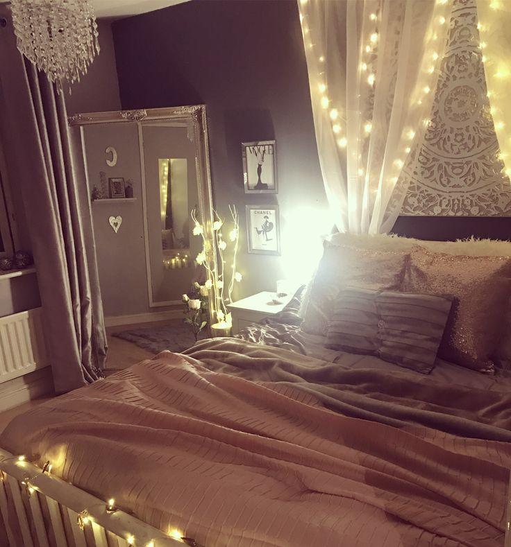 Grey & Pink cosy bedroom