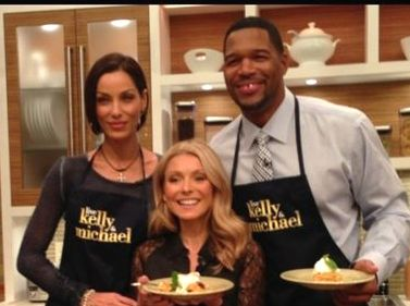 "LIVE with Kelly and Michael - Nicole Murphy's ""Cornbread Chicken Apple Sausage Stuffing"""