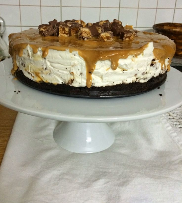 Snickers cheesecake - Craft Cook Love