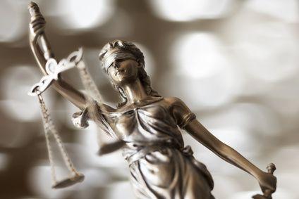 Spécialiste dans le droit du travail ainsi que les problèmes liés aux relations professionnelles, elle est toujours disponible pour régler vos affaires.