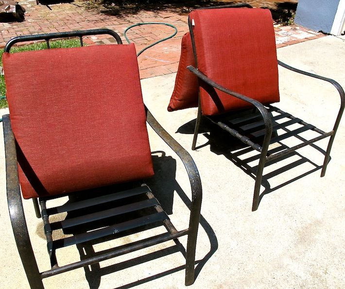 Cleaning outdoor furniture! Done!!! Didn't have borax so I just used dish soap and water!