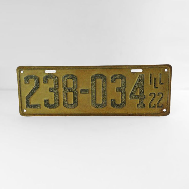 1922 Authentic Vintage Illinois Metal Car License Plate - FOR SALE! Authentic vintage 1922 Illinois old metal automobile car license plate. 13-1/2L x 4-1/2W. Wall art sign for man cave or nice display item. Buy Now!