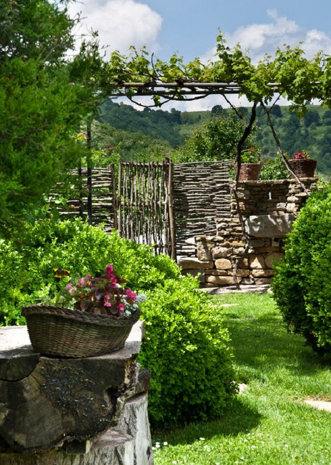 36 best Garden Wattle Fence Colonial Style images on Pinterest