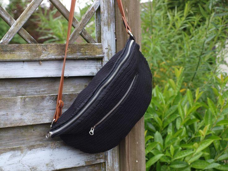 Hæklet bumbag - bæltetaske - mavetaske    Crochet bum bag - fanny back    www.cicitive.dk