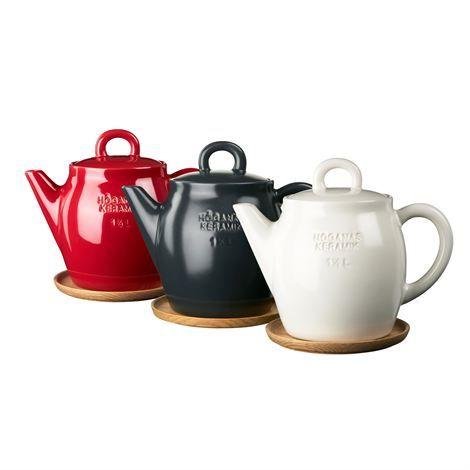 Höganäs Keramik teapot, Sweden