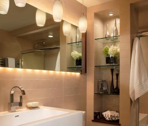Niche Shelving - Niche next to toilet with recess light, glass shelves and mosaic back wall - perfect for display