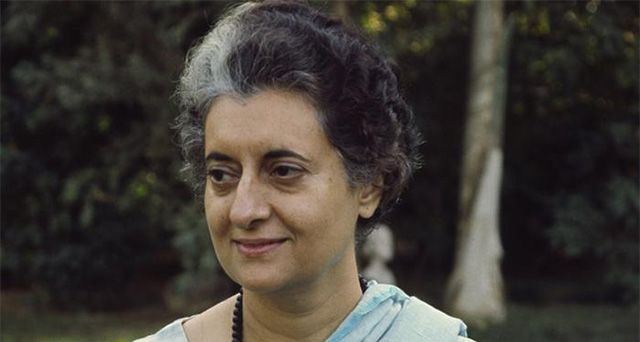 Indira Gandhi's assassination: Know more  http://goo.gl/CzLnYq   New Delhi: Thirty years later, the 90-year-old doctor remembers the event as if it was just the other day.
