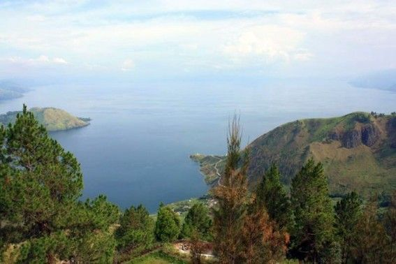 Het Toba Meer Op Sumatra Ontstaan Door Een Ramp Van Wereldformaat Indonesie Vulkanen