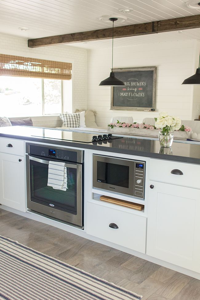 Best 25 kitchen oven ideas on pinterest ovens in for Stove top with built in vent