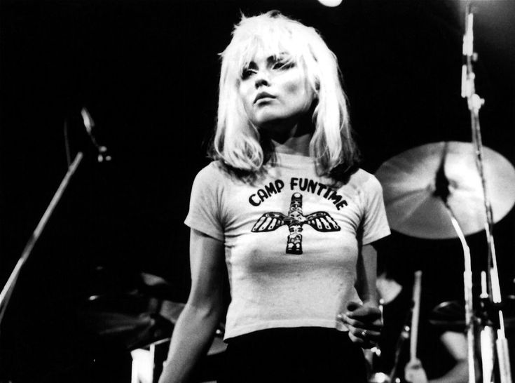 Vintage Style Icon: Debbie Harry | The Front Row ViewOne of the only women to break through in the male-dominated punk rock scene, Debbie Harry quickly shot to fame, becoming a music icon along with her band Blondie. A regular at Studio 54, Debbie's style was a mixture of sexy and nonchalant - slouchy vests, skin-tight dresses and sunglasses, as well as skinny jeans, were the staples of her wardrobe, not forgetting her peroxide blonde layered hair that inspired the band title.