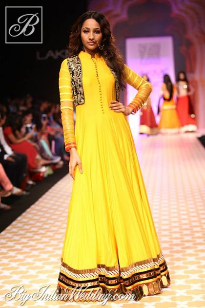 Archana Kochhar at Lakme Fashion Week 2013