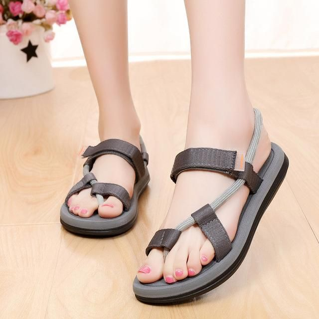 5f074ba88 2018 New Summer Beach Shoes Men Sandals Roma Leisure Breathable Clip Toe  Dual-purpose Sandal Male Soft Shoes