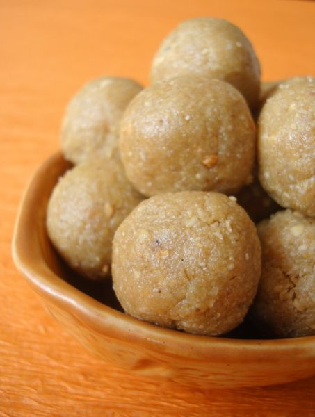 sesame-seeds-laddo-nuvvulu-unda