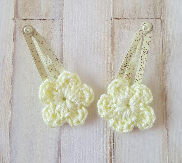 Duo de barrettes jaunes avec fleur au crochet : Jeux, jouets par atelier-crochet