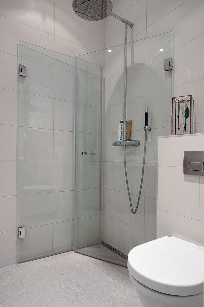 Puertas de ducha completamente colapsables s lo se habilitan cuando son necesarias ideas para - Puertas para banos pequenos ...