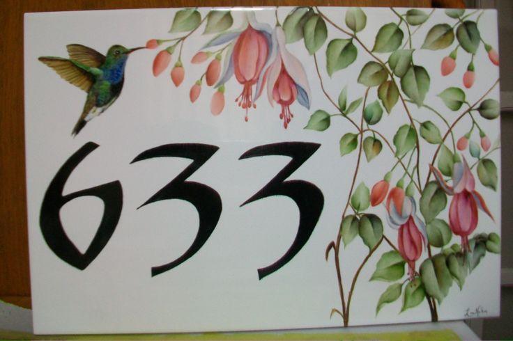 Número residencial brinco de princesa e beija flor pintado por Lia