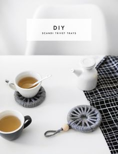 diy scandi trivet tray | home ideas | craft tutorial | home decor | why not make these as gifts?