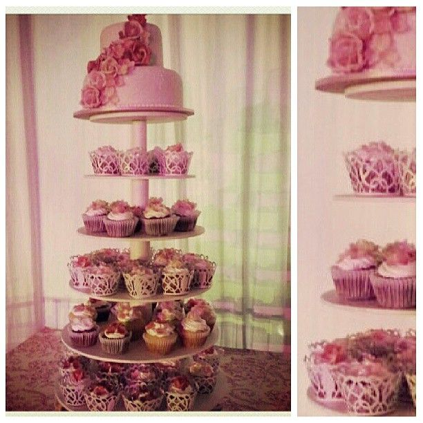 Cupcakes y torta