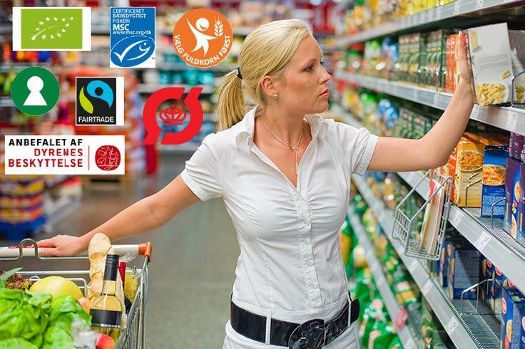 Mange af supermarkedernes fødevarer er forsynet med forskellige farverige mærker – det kan forvirre. Vi giver dig en oversigt over, hvilke der er gode at gå efter