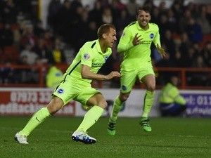 Steve Sidwell signs new Brighton & Hove Albion deal