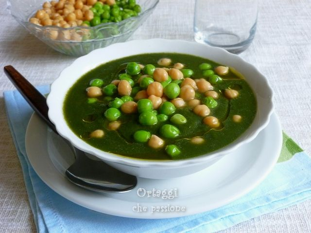 Crema di spinaci con ceci e piselli -  Creamed spinach with chickpeas and peas | Ortaggi che passione by Sara