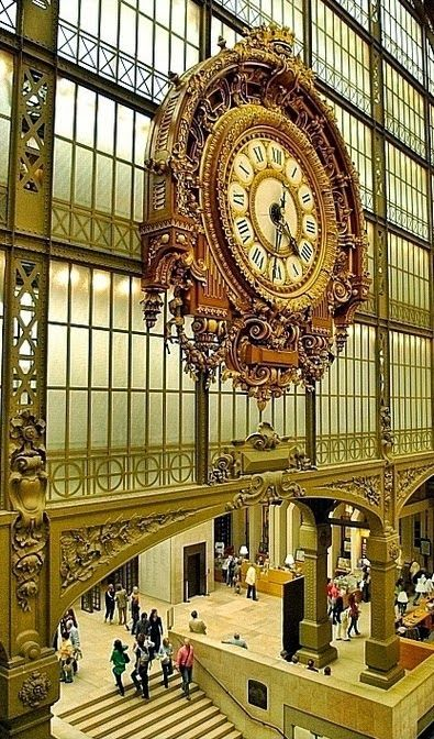 long wallets Clock at the Mus  e D  Orsay  in Paris