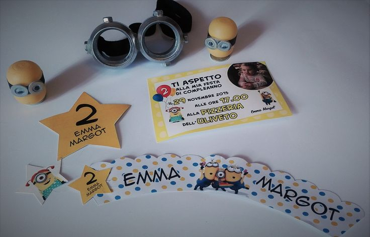 decorazioni compleanno minion... tutto personalizzato e realizzato da seregraphics... inviti, cupcake, festoni...