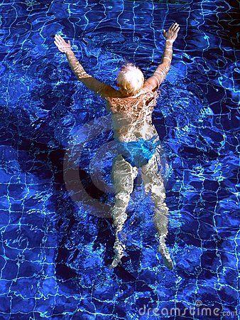 Swiming in a swimming pool
