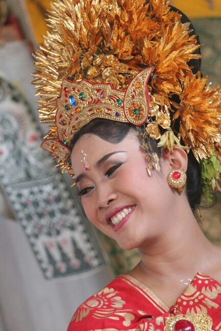 Balinese girl ! Keep smile and happy