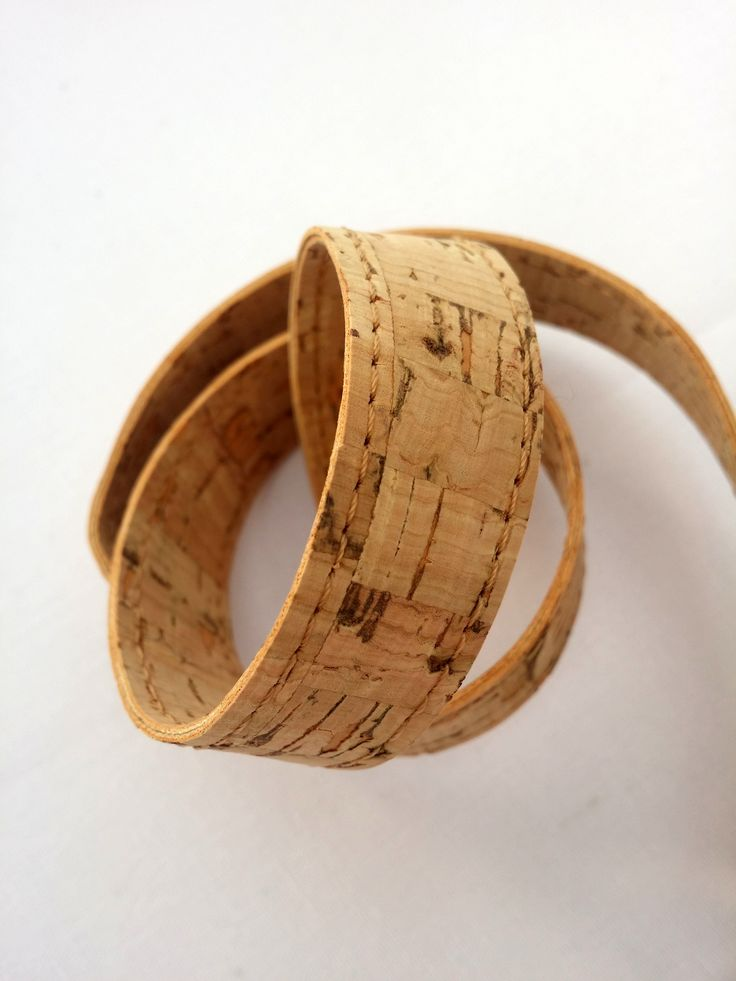 Handmade natural Cork straps/ handles for bags with hooks finishing. Χειροποίητα λουριά για τσάντες απο φελλό για τσάντες και κατασκευές.