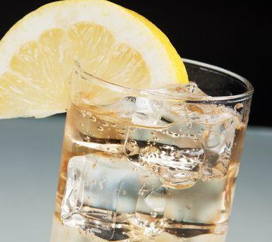 Seven & Seven - 2 oz Seagram's 7 Crown Whiskey 7-up Lemon wedge for garnish
