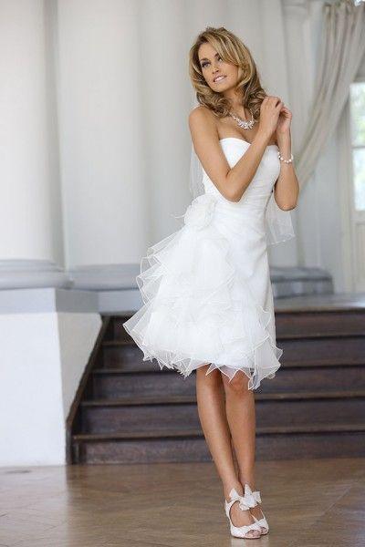 Korte trouwjurk - stijlvol en hippe bruidsjurken | De Bruidshoek