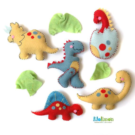 """BABY MOBILE """"Baby dinosaurs"""" 5 figures made with wool felt / Dinosaur, t-rex, brontosaurus, triceratops"""