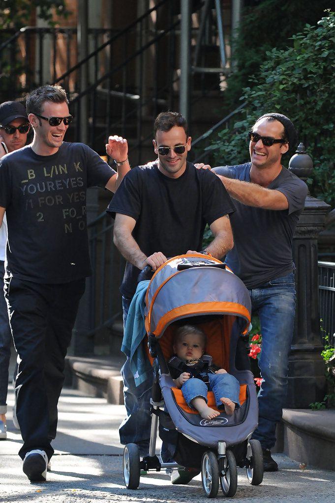 Jonny Lee Miller Buster Miller Photos: Jude Law and Jonny Lee Miller on a Walk