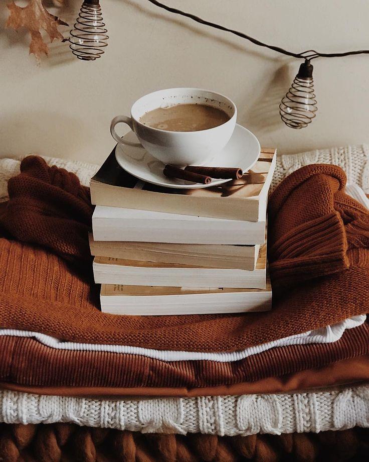 местными фото с книгой и чаем сезон они будут