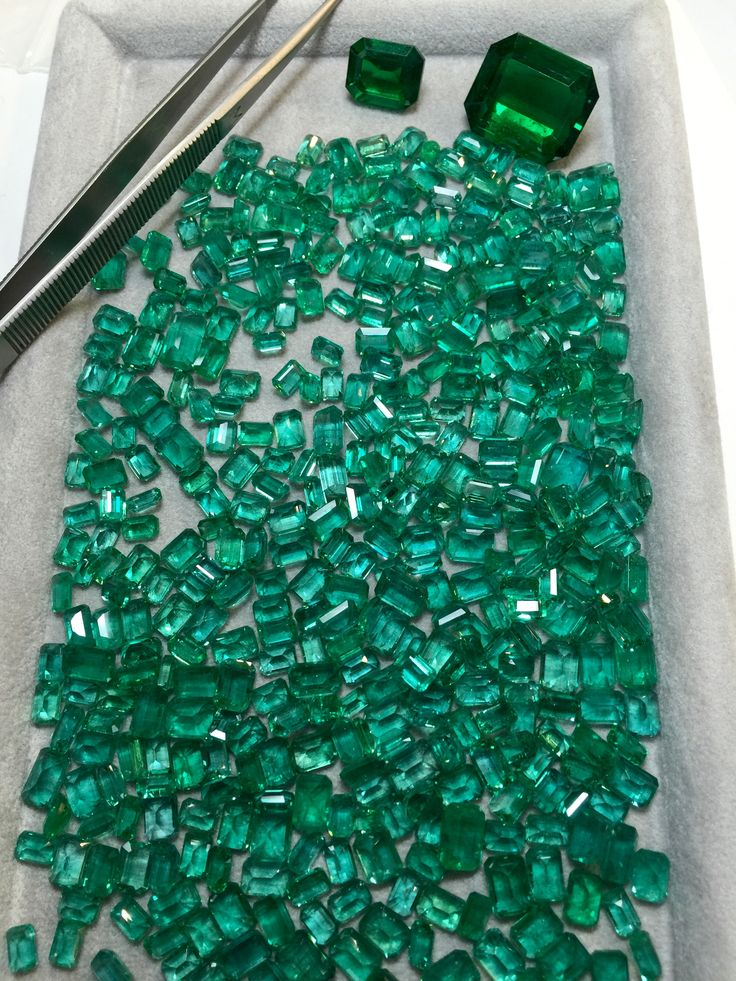 Fine Pashmir emeralds and two large gem Zambian emeralds