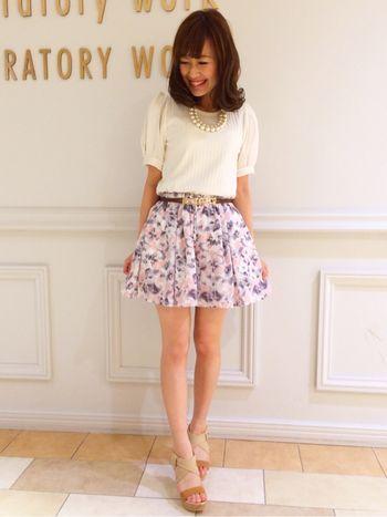 ふんわりミニ花柄スカート♪ ♡ガーリーなファッション スタイルのコーデまとめ♡